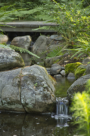 outdoor-water-fountains-landscaping-stones-fusaro-10