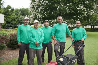 landscaping-services-technicians
